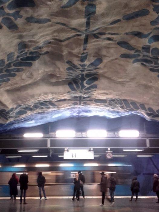 Las estaciones del metro sorprenden por su belleza y simplicidad
