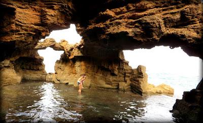 La cueva fue esculpida a base de extraer bloques de piedra (Dénia-Xàbia, 2015)