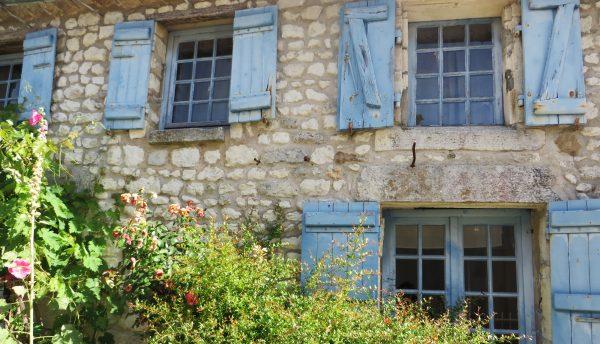 Una de les boniques cases de Talmont i de molts altres pobles de la regió (França, 2016)