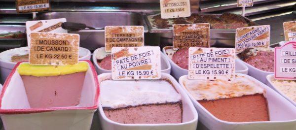 Las carnicerías y charcuterías son un espectáculo en Francia.