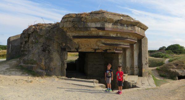 Restes dels bunkers a Pointe du Hoc (França 2016)