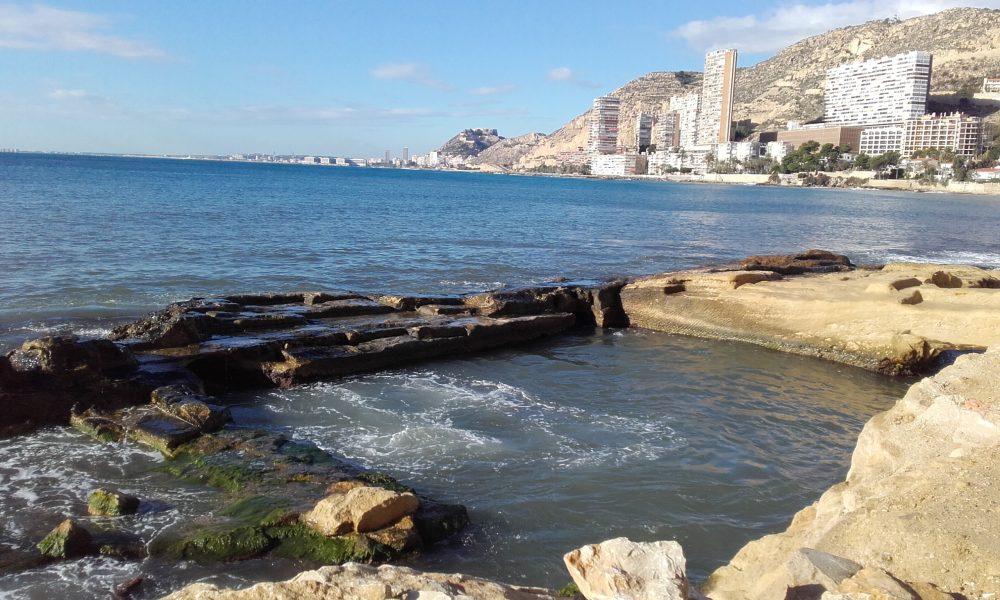Restos de las zonas de cría de peces excavadas por los romanos (Alicante, 2016)